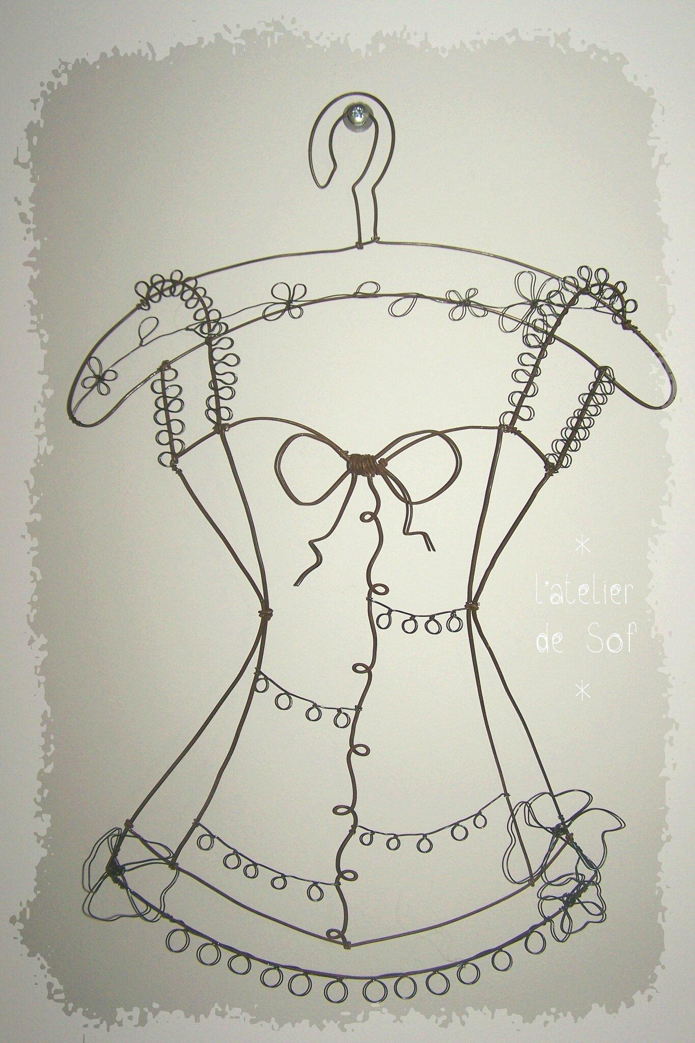 bustier porte bijoux fil de fer