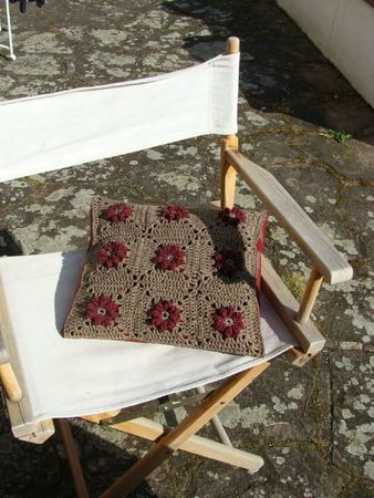 Something cute sur fauteuil