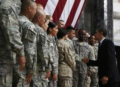 president-obama-baghdad-camp-victory-greet