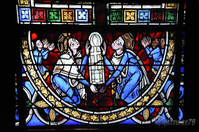 Le vitrail de la Crucifixion de la cathédrale de Poitiers – Aliénor d'Aquitaine, Henri Plantagenêt - Thibaud V de Blason et Valence de Mauzé (2)