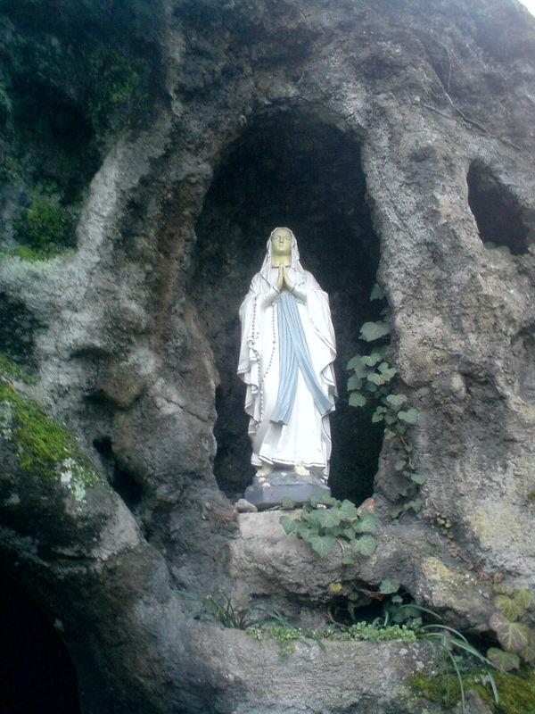 Institut du Bon Pasteur, la grotte de Lourdes, ND de Lourdes