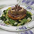 Foie gras de canard, truffe de bourgogne et salade à l'huile de noix