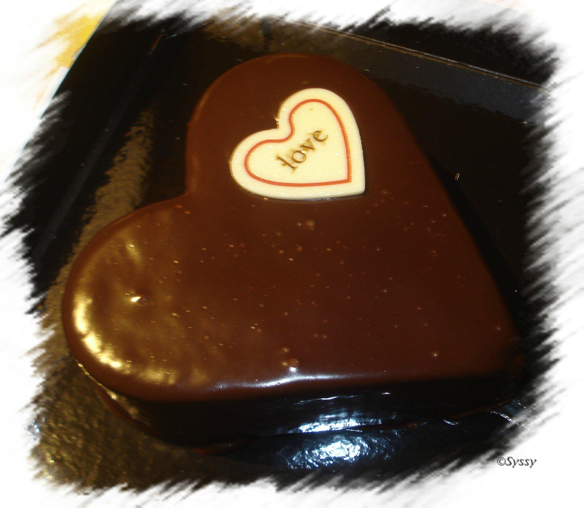 Mon gâteau pour la Saint valentin et mon kdo ♥