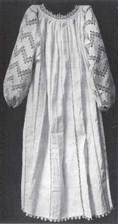 middle_16th_century_chemise