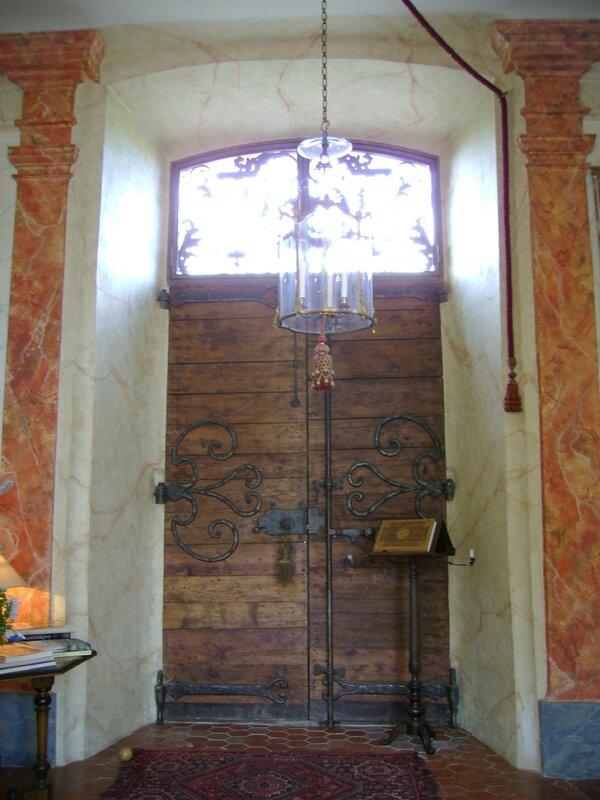 Porte château d'Entrecasteaux
