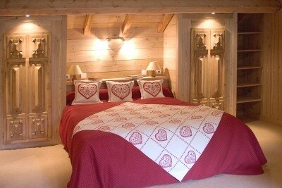 chambre pour les amoureux des chalets de la d co et de la brocante. Black Bedroom Furniture Sets. Home Design Ideas