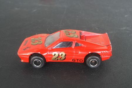 211_Ferrari_288_GTO_01