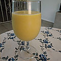 Milkshake ou batido de mangues au yaourt et rhum