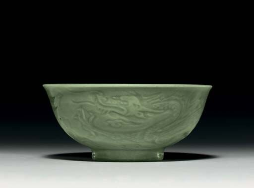 A_very_rare_Longquan_celadon__dragon__bowl__Yuan_early_Ming_dynasty__14th_15th_century