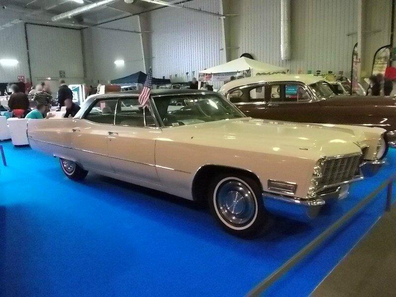 CadillacSedanDeVille1968av1