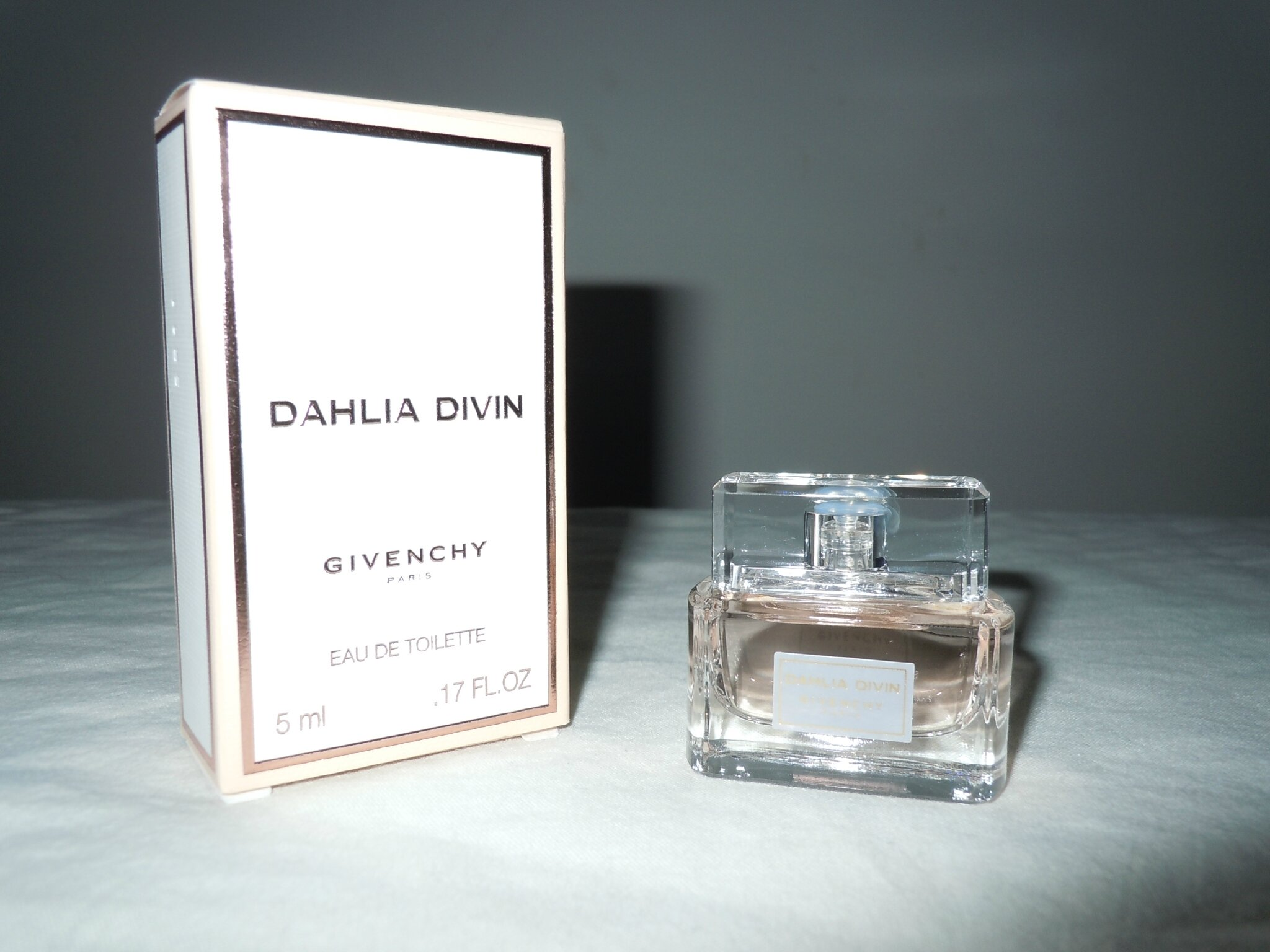 GIVENCHY-DAHLIADIVIN-EDT