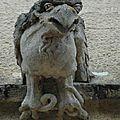 Gargouille Aigle bien noué à la matière