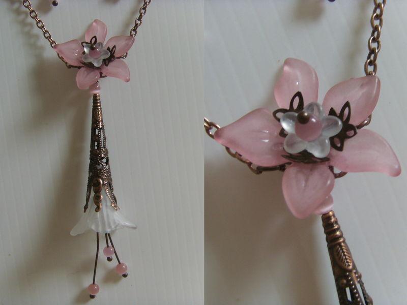 Pendentif Fleur blanche et rose Oeil de chat 20€ (sans les FDP)
