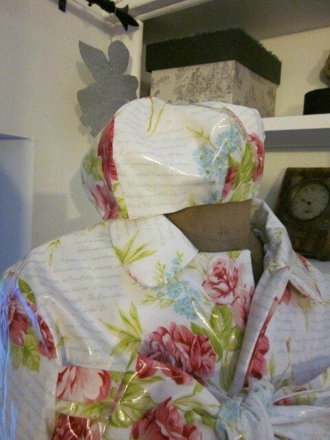 Ciré AGLAE en coton enduit blanc imprimé de fleurs rose et ciel, d'écritures ciel - Chapeau AGATHE en coton enduit blanc imprimé fleurs rose et ciel et écritures ciel(11)