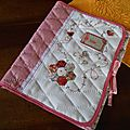 Pochette à dessins rose