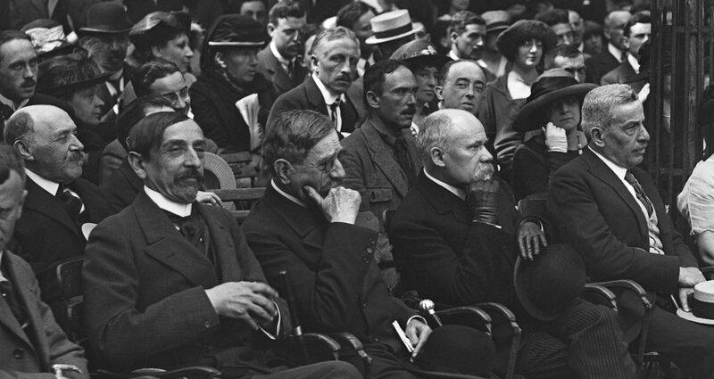 Barrès, Bourget, Poincaré, Donnay et derrière