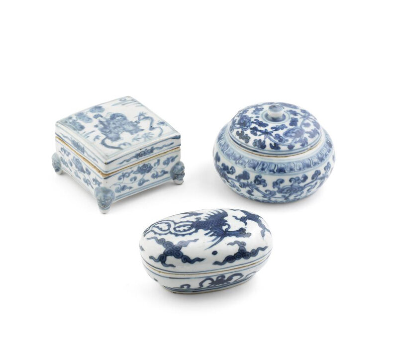 Three blue and white boxes and covers, Ming Dynasty