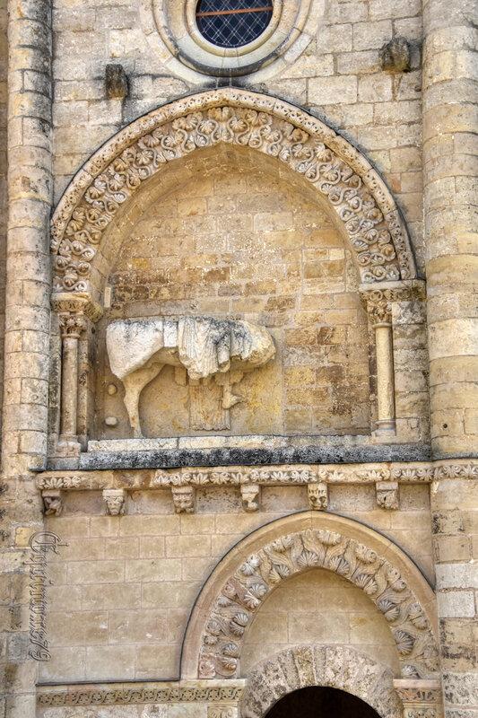 Histoire du Poitou - L'église Saint-Pierre d'Airvault (3)