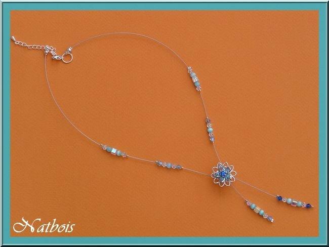 collier cable fleur bleue