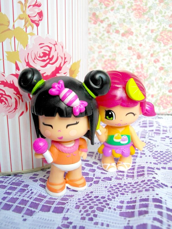 pinypon-jouet-figurine-fille-blogueuse-boite-tilda