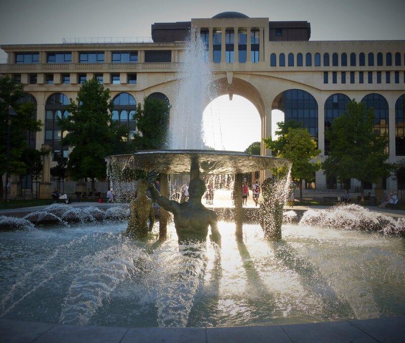 fontaine place de thessalie (2)