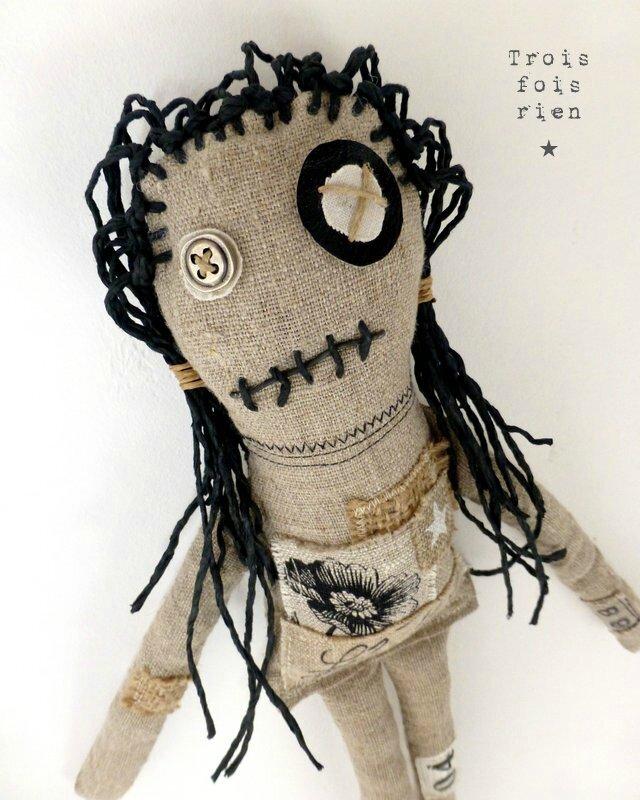 Fililoche la Moche, poupée lin, ficelle, bouton, fabric doll 3