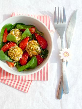 salade fraise fromage frais pistaches miel sésame (77)