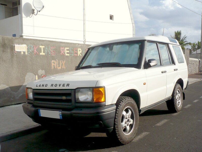 LAND ROVER Discovery Series II Td5 Saint Pierre (1)