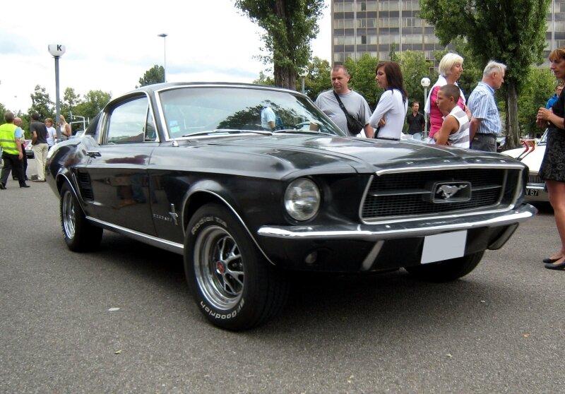 Ford mustang fastback coupé de 1968 (Retrorencard67) 01