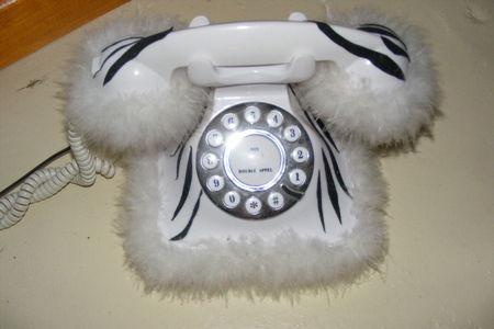 t_l_phone