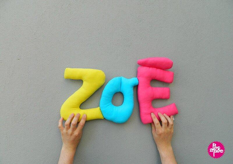zoe 2,mot en tissu,mot decoratif,cadeau de naissance,decoration chambre d'enfant,cadeau personnalise,cadeau original,poc a poc 3 blog