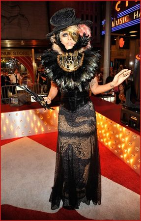 lady_gaga_attends_the_2009_mtv_video_music_awards