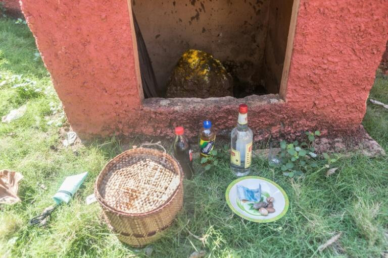 Le culte vaudou réinvestit Porto-Novo, la capitale du Bénin ... SEKPE