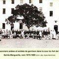Photo des prisonniers algériens sur l'île sainte-marguerite