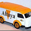 Altaya Corgi 50 A Renault Altaya 01