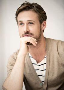 _Crazy_Stupid_Love_Press_Conference_ryan_gosling_23916662_357_500
