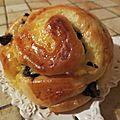 Escargots briochés à la crème pâtissière et aux pépites de chocolat