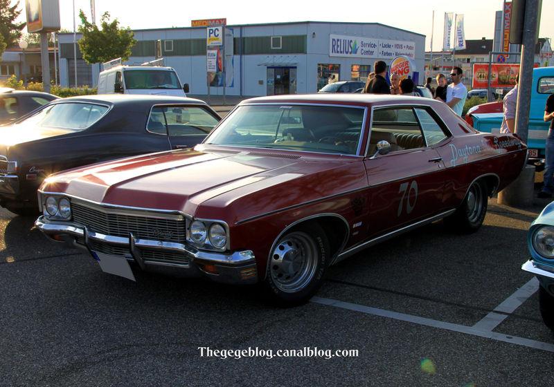 Chevrolet impala 2door hardtop coupé de 1970 (Rencard Burger King mai 2011) 01