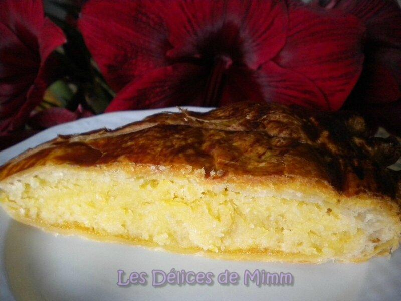 Galette des rois à la crème d'amandes et compote d'abricots secs à la tonka 4