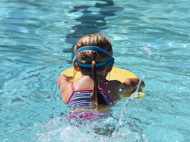 young_swimmer_2494904_1920