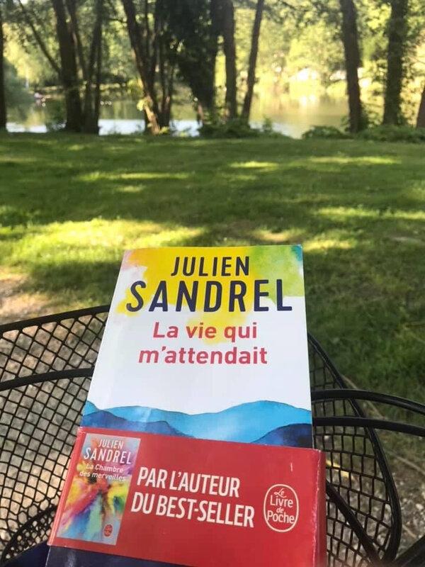 J'ai lu : La vie qui m'attendait de Julien Sandrel