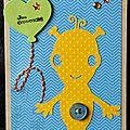 carte d'anniversaire garçon avec martien jaune