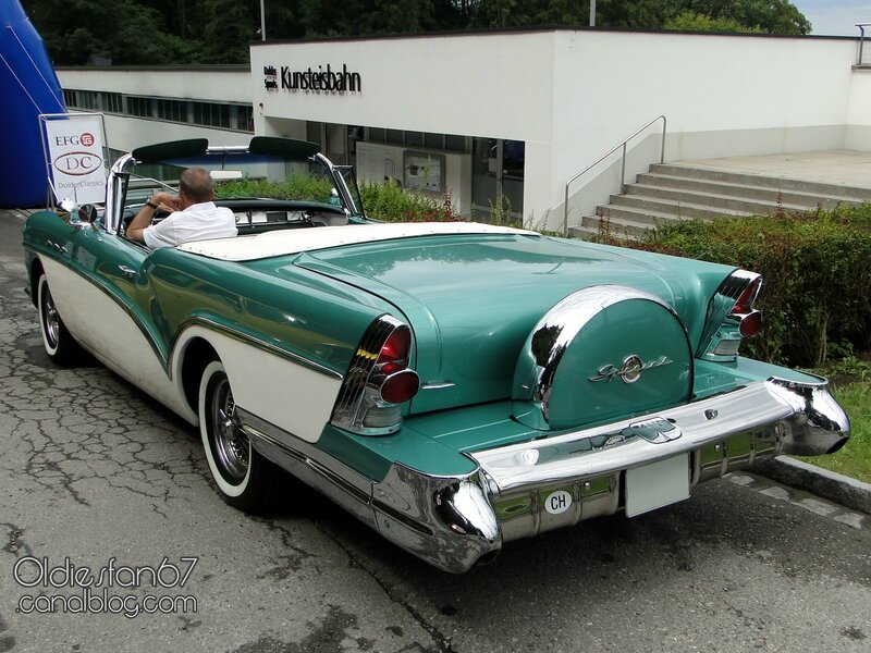 buick-special-convertible-continental-kit-1957-02
