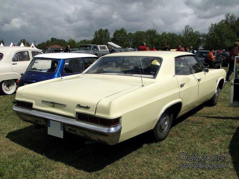 chevrolet-impala-hardtop-sedan-1966-02