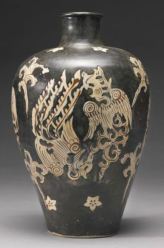 A large and unusual 'Jizhou' 'phoenix' meiping, Southern Song dynasty 2