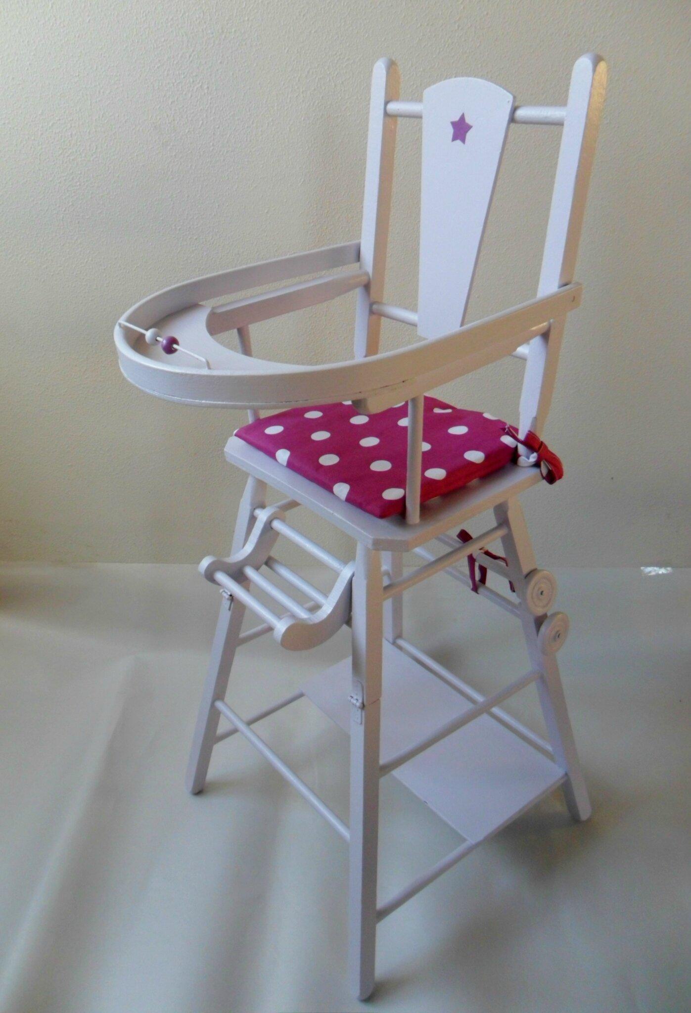 Chaise haute ancienne en bois pour poupée restaurée VENDUE modèles en stock sur https://www.etsy.com/fr/shop/LeTorchonenCavale