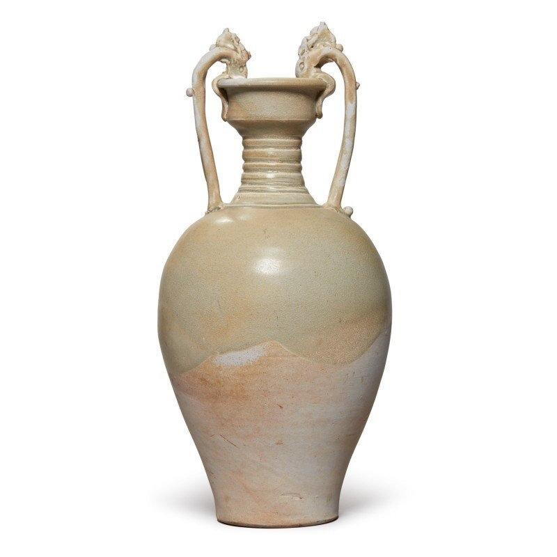 A straw-glazed pottery amphora, Tang dynasty (618-907)