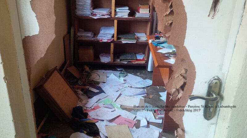 Bureau de l'école Sadiki vandalisé - Paroisse St Kizito à Lubumbashi *Ph: Fidèle Bwirhonde