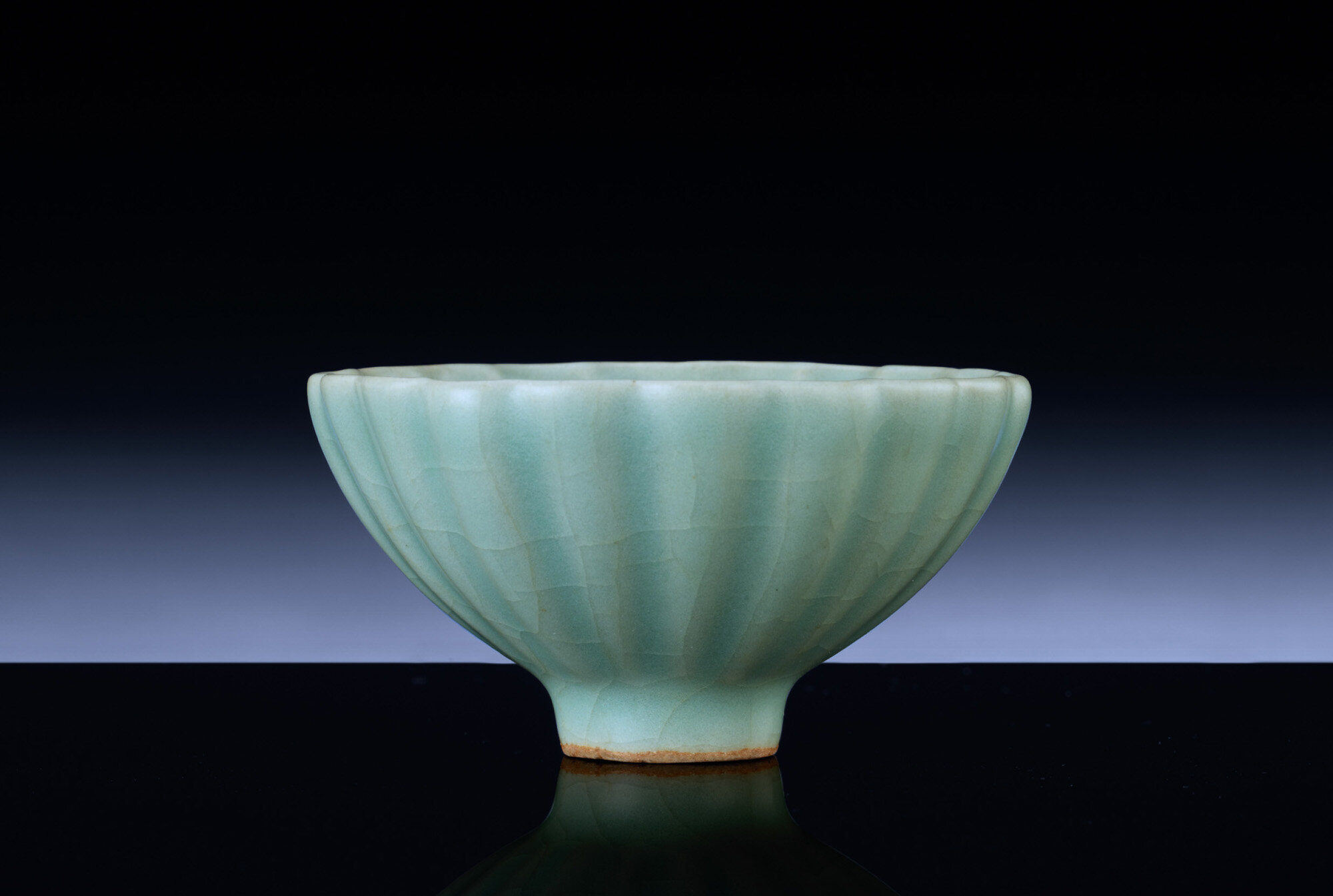A fine small Longquan celadon petal-lobed bowl, Southern Song dynasty (1127-1279)