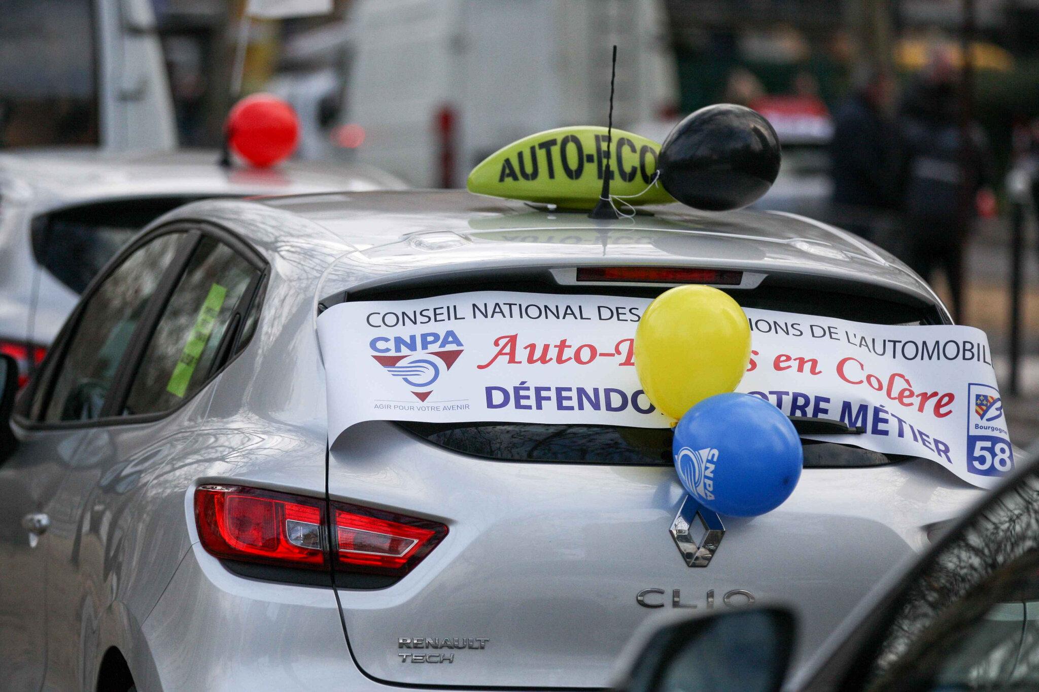 Les auto-écoles contre l'« ubérisation » de leur profession. © Michel Stoupak. Lun 11.02.2019, 09h56m20.